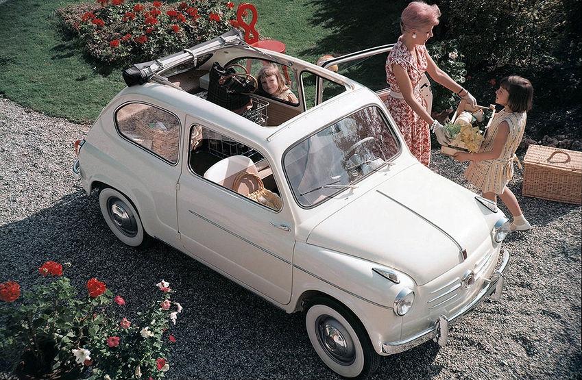 FIAT-600 - прекрасные дамы в рекламе маленьких машин: diecast43